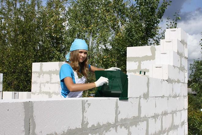 Кладка стены из газобетона