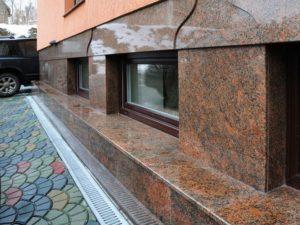 Гранитный камень для фасада