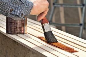 окрашивания деревянной поверхности